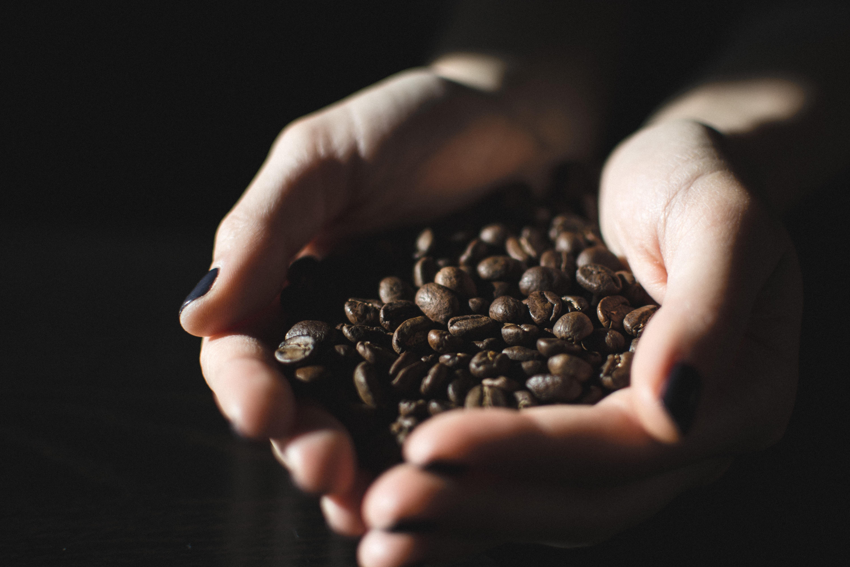 Кофе, который вы не выпьете: кофеин в косметических средствах